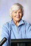 Femme aînée folâtre Photo stock