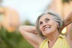 Femme aînée heureuse image libre de droits