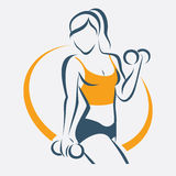 Femme active faisant le symbole de forme physique Photo stock