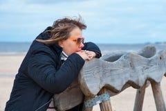 Femme adulte à la mer Photo libre de droits