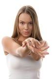 Femme affichant des mains Images libres de droits