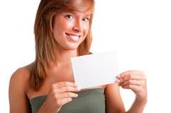 Femme affichant la carte de visite professionnelle vierge de visite Photos libres de droits