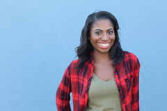 Femme africaine en bonne santé montrant le bonheur avec l'espace de copie photo libre de droits