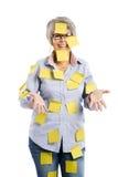 Femme agée avec les notes jaunes Image stock