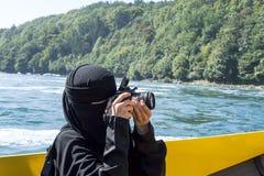 Femme arabe dans le hijab Images libres de droits