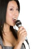 Femme asiatique chanteuse Image stock