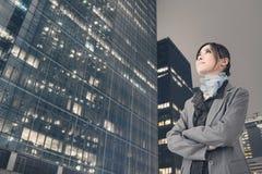 Femme asiatique confiante d'affaires Image stock