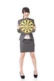 Femme asiatique d'affaires tenant le panneau de cible photo stock