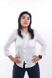Femme asiatique fière et forte au-dessus de blanc Photographie stock libre de droits