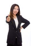 Femme asiatique heureux d'affaires affichant le pouce. Photographie stock libre de droits