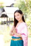 Femme asiatique portant la culture thaïlandaise traditionnelle, style de vintage, Thail photo stock