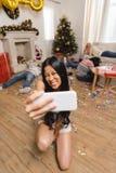 Femme asiatique prenant le selfie Photographie stock libre de droits