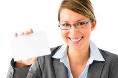 Femme assez jeune d'affaires avec la plaquette photographie stock libre de droits