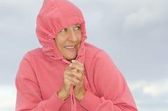 Femme attirant de verticale en temps froid Images stock