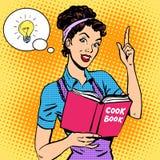 Femme au foyer de livre de cuisine d'idées Images libres de droits