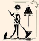 Femme au foyer et un balai Images libres de droits
