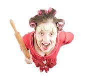 Femme au foyer folle au-dessus de blanc photographie stock libre de droits