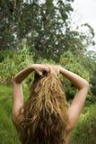 Femme aux cheveux longs. Image libre de droits