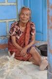 Femme aux pieds nus Photos stock