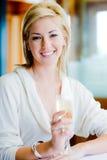 Femme avec Champagne Photographie stock libre de droits