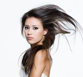 Femme avec de beaux longs poils photos libres de droits