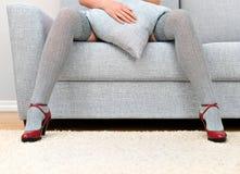 Femme avec de belles pattes Photos libres de droits
