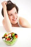 Femme avec de la salade Photo libre de droits