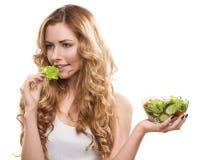 Femme avec de la salade Photo stock
