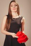 Femme avec des boîtes de valentines Photo libre de droits