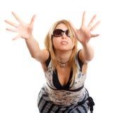 Femme avec des glaces de soleil Photographie stock libre de droits