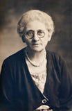 Femme avec des perles Photographie stock libre de droits