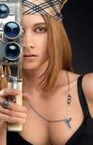 Femme avec l'appareil-photo de cru Images stock