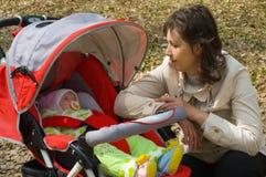 Femme avec l'enfant Image libre de droits
