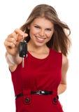 Femme avec la clé de voiture Photo libre de droits