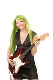 Femme avec la guitare de pièce de cheveu de couleur Images libres de droits