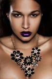 Femme avec le bijou Photo stock