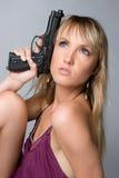 Femme avec le canon image stock