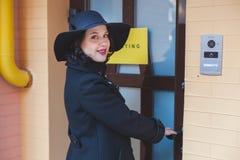 Femme avec le chapeau Photographie stock libre de droits