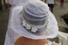 Femme avec le chapeau blanc Photo libre de droits