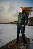 Femme avec le cheveu de battement Photographie stock libre de droits