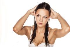 Femme avec le cheveu humide Image libre de droits