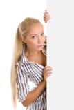 Femme avec le drapeau blanc de boeard Images stock