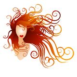 Femme avec le long cheveu circulant rouge