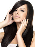 Femme avec le long cheveu droit de beauté Images libres de droits