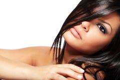 Femme avec le long cheveu noir. images stock
