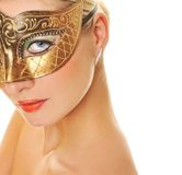 Femme avec le masque de carnaval images stock