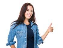 Femme avec le pouce vers le haut Image libre de droits