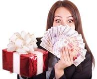 Femme avec le rouble de Russe d'argent. Photographie stock libre de droits