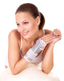 Femme avec le support de poignet. Photo stock