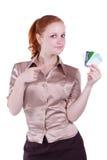 Femme avec les cartes en plastique Photo stock